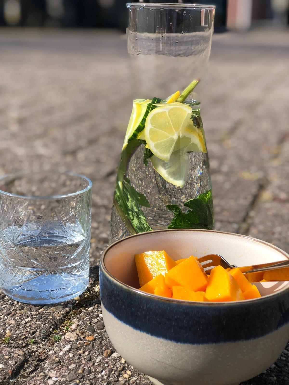 Wat je wel (en niet) moet drinken bij warmte